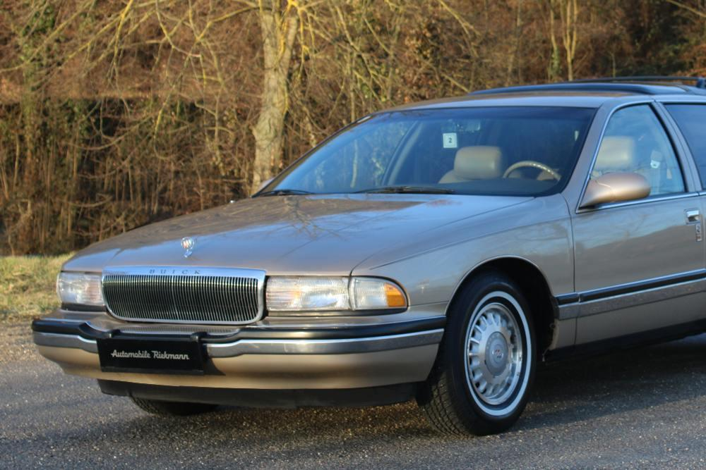 Buick Roadmaster Station