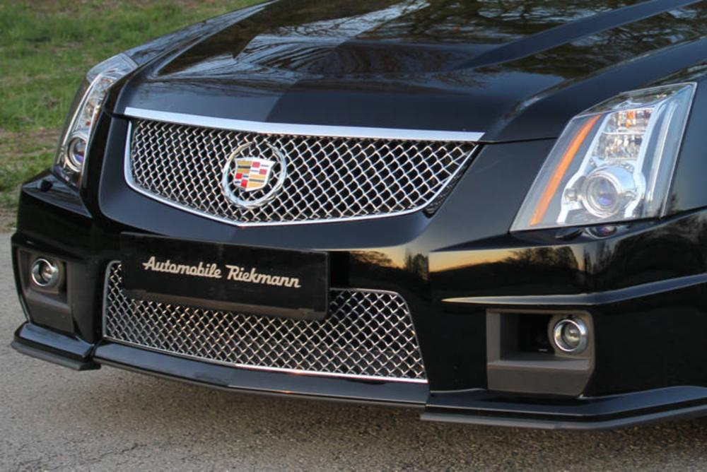 Cadillac CTS-V Supercharged 2011