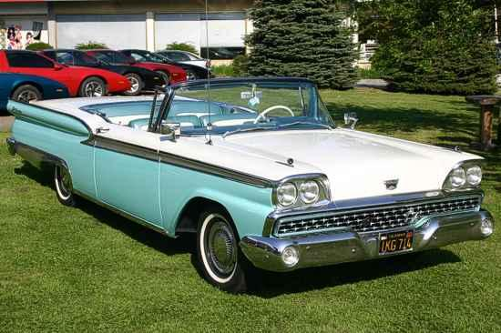 Ford Galaxie 500 Skyliner 1959
