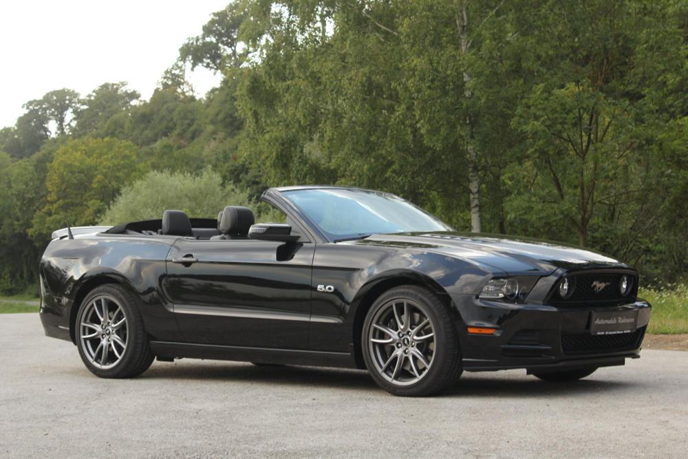 pin cabrio ford mustang pictures on pinterest. Black Bedroom Furniture Sets. Home Design Ideas