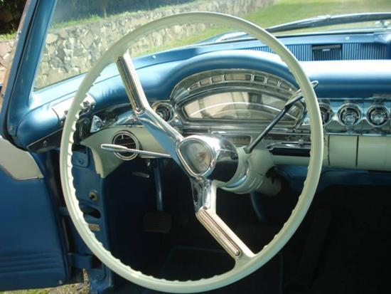 Oldsmobile Super 88 Holiday Coupe 1958
